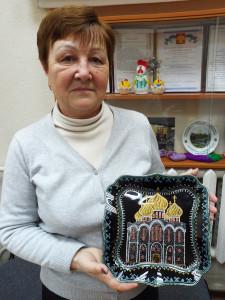 Надежда Быкова с работой Стефановского собора