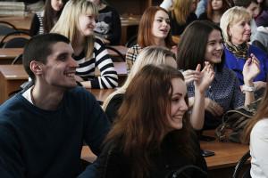 Студенты довольны встречей с писателем