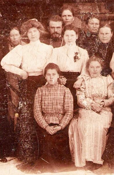 Отец Авенир с учителями лоемской школы