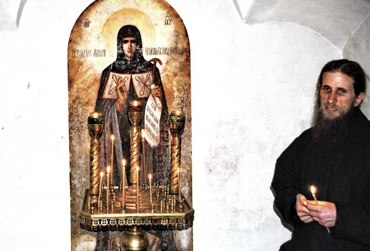 Отец Модест возле Афонской иконы Божией Матери