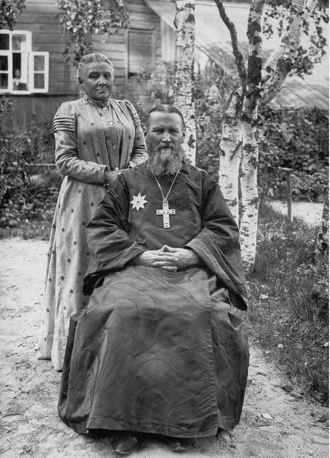 Иоанн Кроншт с матушкой Елизаветой