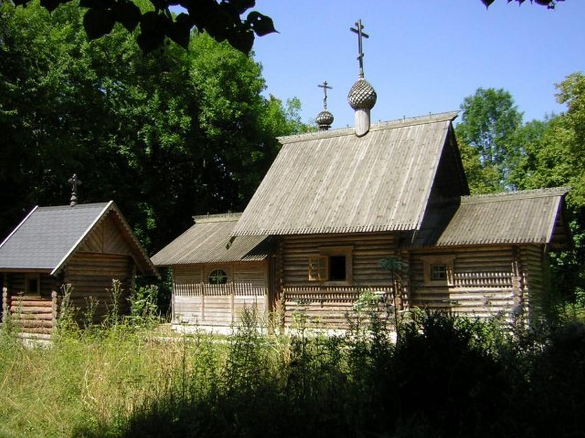 Храм в скиту близ города Мурмелон-ле-Гран