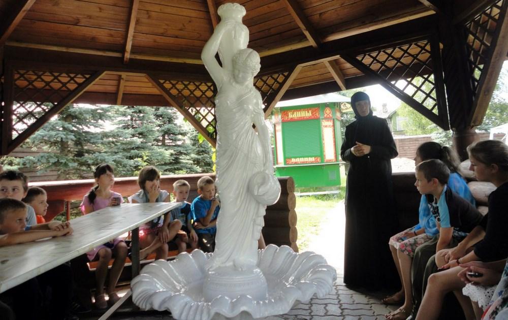 В Константино - Еленинском женском монастыре