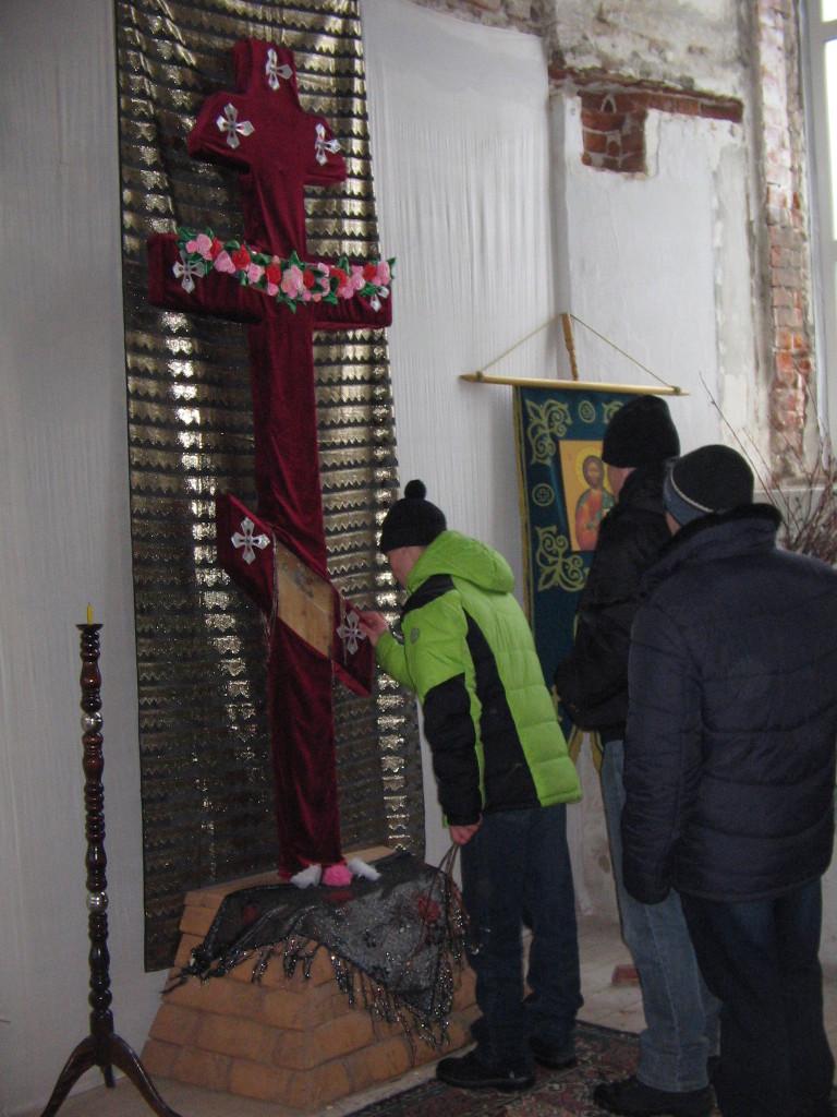 на поклонение к Кресту Василия Пестерева