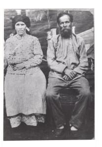 Бабушка Пелагея Ивановна и дед Николай Анисимович. Ижма. 1932 год