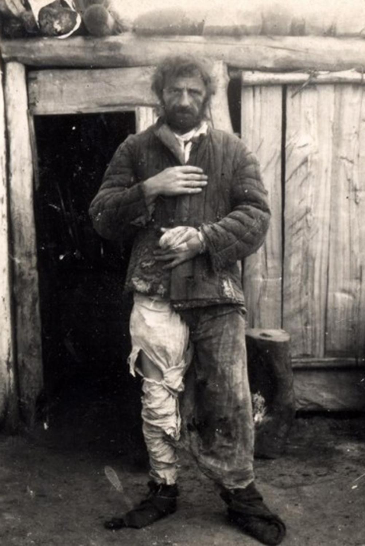 Лейтенант Иван Бакланов. Один из выживших участников побега. Здесь ему всего двадцать с небольшим.