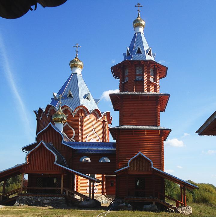 Храм Иоанна Предтечи в деревне Заручевская