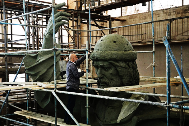 Памятник уже скоро отольют