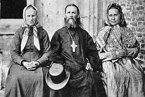 2_Отец Иоанн Кронштадтский с сестрами Анной и Дарьей