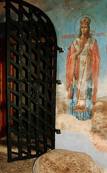 Камень-Антония-Римлянина-в-Рождественском-соборе