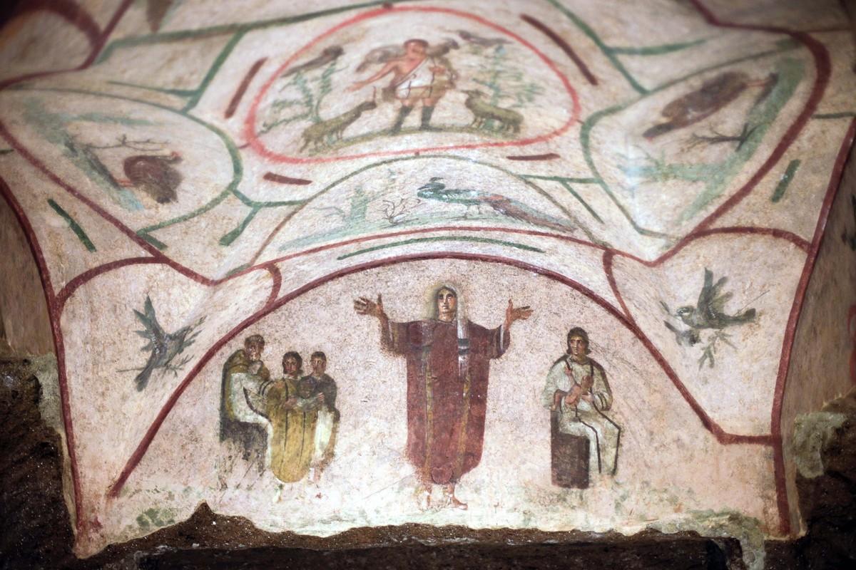 Отреставрированные фрески в катакомбах Присциллы