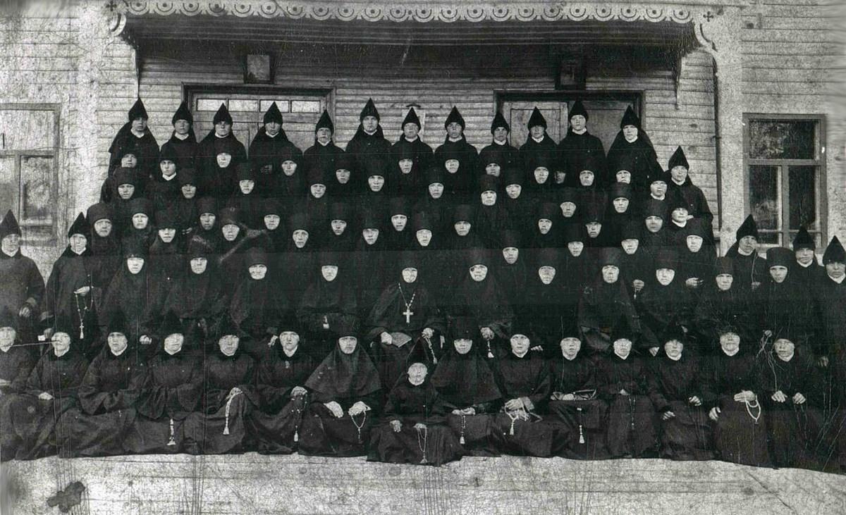 Сёстры - основательницы монастыря